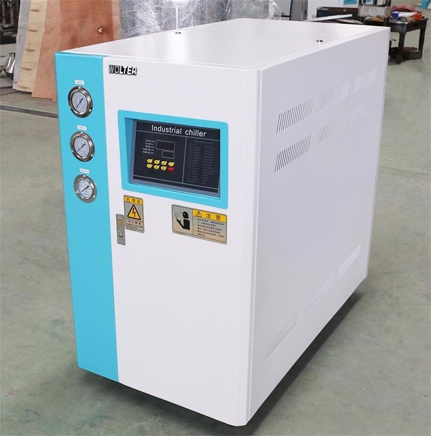 Professional Air Cooled Scroll Chiller Built - In Automatic Water Device